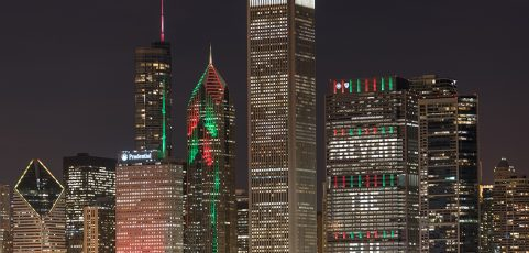 Best Places in the Chicago Area to See Christmas Tree Lights