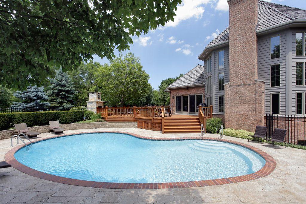 patio-deck-pool-chicago-il